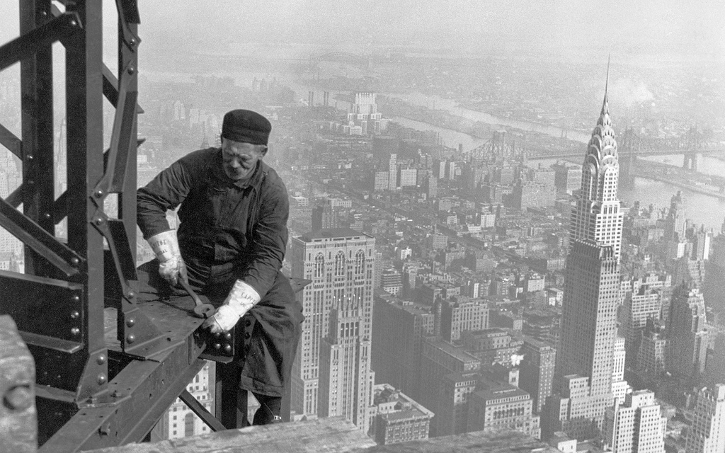 chrysler building black and white wallpaper. vintage photo of construction worker building the empire state chrysler in background new york pictures black and white wallpaper
