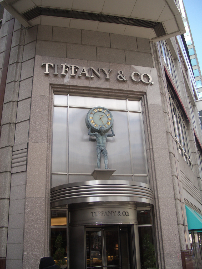 Entrance of tiffany co a jewelry and silverware store for Tiffany a new york