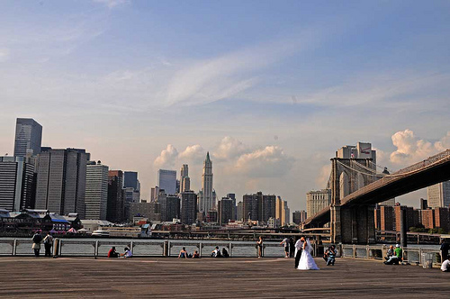 A Unique Picture Brooklyn Bridge Made Their Wedding Picture Unique
