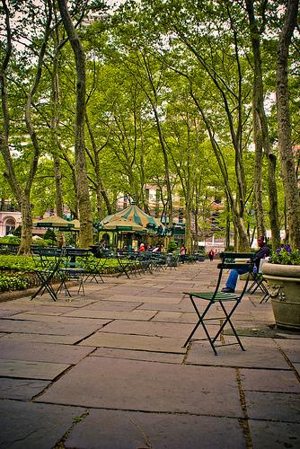Manhattan's Bryant Park In Springtime