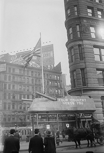 A Look At The Flatiron Building Back In The Day.