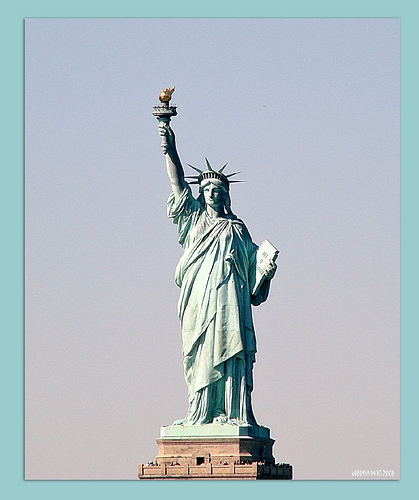 A Simple But Very Iconic Picture Of The Statue Of Liberty