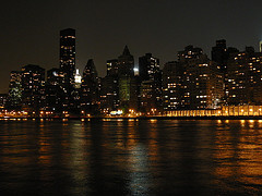 Roosevelt Island It Lies Between The Island Of Manhattan To Its West And The Borough Of Queens To Its East