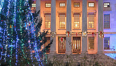 Brooklyn Borough Hall Is All Ready For Christmas!