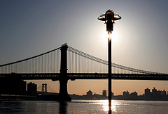 Backlit Brooklyn Bridge With Clever Composition To Mitigate Sun's Brightness