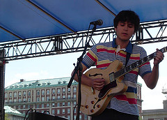 Columbia Grads Vampire Weekend Perform On The Steps Of Columbia University