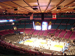 The Nay Knicks Warm-up Before A Game Against The Dallas Mavericks In Madison Square Garden.