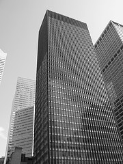 The Seagram Building, A Skyscraper Located At 375 Park Avenue, On A Gloomy New York City Day.