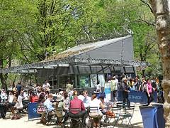 Shake Shack Surrounded By Crowds